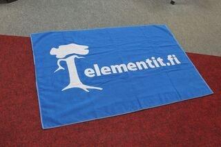 Kootud rätik Elementit.fi