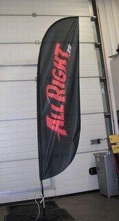 2,5 metrinen mainoslippu ulkokäyttöön